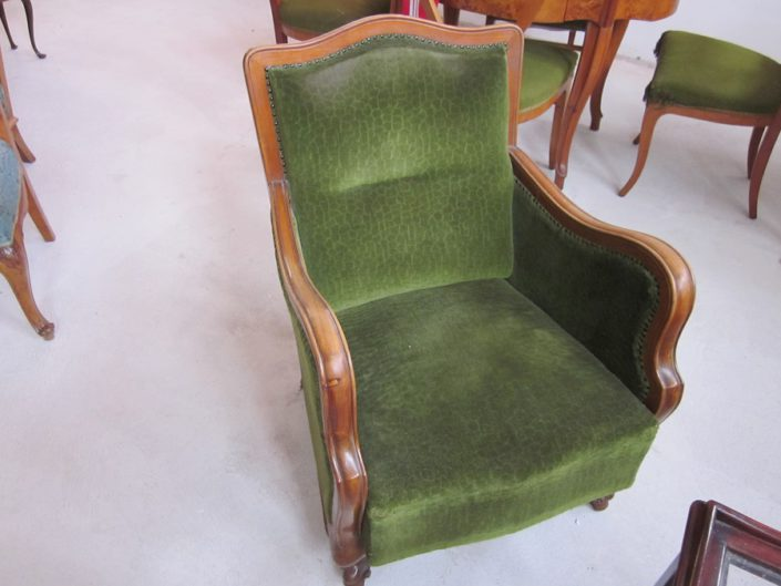 ANTIQUE SEATING SET